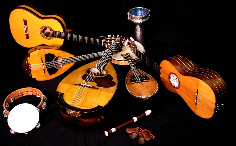 09-Luca-Artioli-Mandolin-Orchestra-2